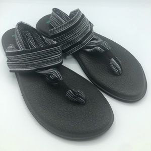 Sanuk yoga mat flip flops size 10